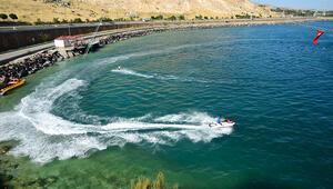 Van Gölünde su sporlarına yoğun ilgi