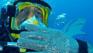 Mike Tyson köpek balığına karşı