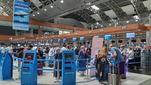 Sabiha Gökçen'den dün 61 bin 408 yolcu geçiş yaptı