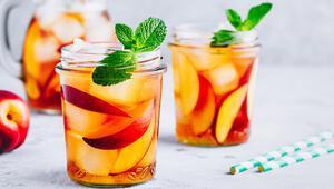 Serinleten Lezzet: Buzlu Yeşil Çay Nasıl Yapılır