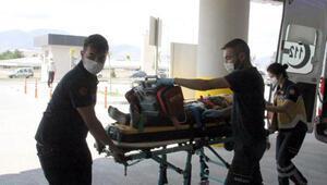 Erzincanda yük treni, otomobile çarptı; muhtar ile 1 kişi öldü
