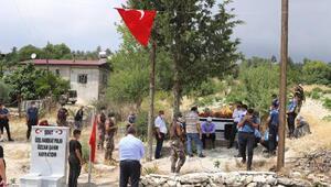 Şehit polis Özcan Şahin, kabri başında anıldı