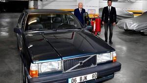 MHP Genel Başkanı Bahçeli, BJK plakalı aracını hediye etti