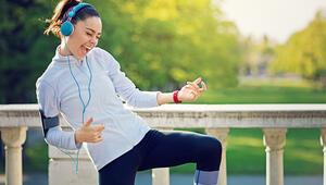 Spor yaparken müzik dinlemek bakın ne işe yarıyormuş