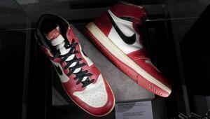 Michael Jordanın giydiği ayakkabı açık artırmada 615 bin dolara satıldı