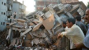 Marmara depreminde ölenler anılıyor – 17 Ağustos depremi hangi yıl oldu, kaç kişi öldü, nerelerde hissedildi