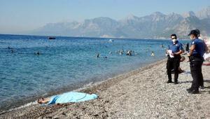 Antalyada, yaşlı adamın denizde cesedi bulundu