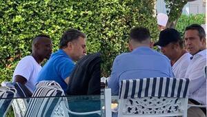 Fenerbahçede Emre Belözoğlu, Thiam için yapılan transfer masasında niye yok