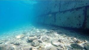 Bu kadarı da pes dedirtti Kum kaçmasın diye deniz dibine duvar örmüşler