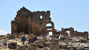 Zerzevan Kalesinde tarih gün yüzüne çıkarılıyor