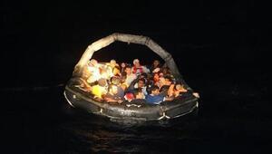 Foçada yakalanan 125 kaçak göçmen İl Göç İdaresine gönderildi