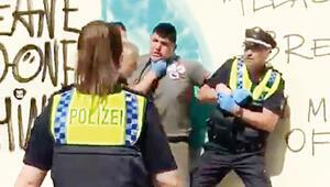 Alman polisi yine şiddet uyguladı