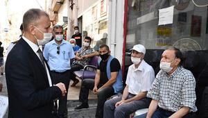 65 yaş üstü, maske takmayan gençleri kaymakama şikayet etti