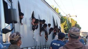 120 kaçak göçmeni taşıyan TIR sürücüsü adliyede
