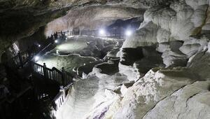 Gizli Pamukkale Kaklık Mağarasında çökme tehlikesi