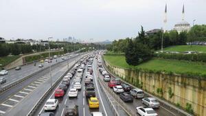 Anadolu Yakasında yağış sonrası trafik yoğunluğu