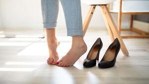 Ayakkabı seçimine dikkat Bakın neye sebep oluyor