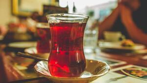 Yemekten sonra çaya veda Severek içiyoruz ancak…