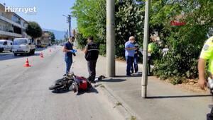 Otomobilin çarptığı motosiklette bulunan kişiler metrelerce havaya fırladı