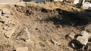 Mezarlıkta kazı tepkisi