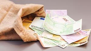 Alman ekonomisi yüzde 9.7 küçüldü