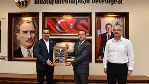 AK Parti Bursa Milletvekili Kılıç, Mustafakemalpaşa Belediye Başkanı Kanarı ziyaret etti