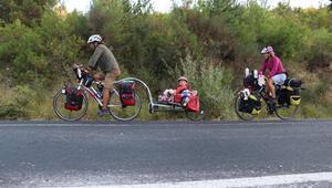 5 yaşındaki kızlarıyla 5 bin kilometre pedal çevirecekler
