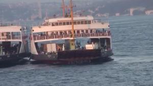 İstanbulda panik anları Arabalı vapur arıza yaptı...