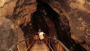 230 milyon yılda oluşan Tınaztepe Mağarası