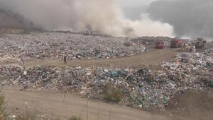 Çöp toplama alanındaki yangın, ormana sıçramadan kontrol altına alındı