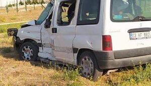 TIRla otomobil çarpıştı: 2 yaralı