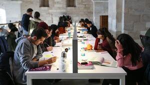 Üniversiteler ne zaman açılacak, açılacak mı YÖK'ten üniversitelerin açılış tarihi ile ilgili açıklama