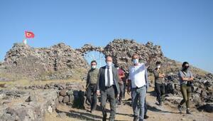 Rektör Erdal, Karacahisar Kalesi kazı alanını ziyaret etti