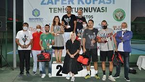 Zafer Kupası Tenis Turnuvasında 100 tekerlekli sandalye dağıtıldı