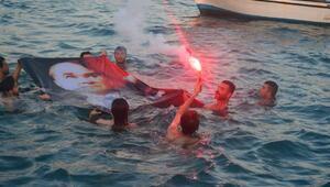 30 Ağustos Arsuzda teknelerle denizde kutlandı