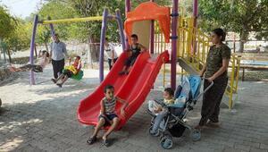 Kozan Belediyesi'nden Karabuza Mahallesi'ne çocuk parkı
