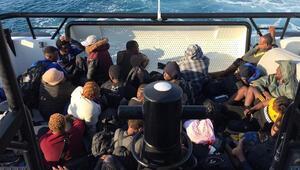 Marmariste 41 kaçak göçmen kurtarıldı