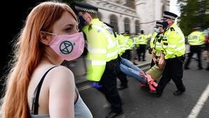 Son dakika haberler: İngilterede hareketli gün Gözaltına alındılar
