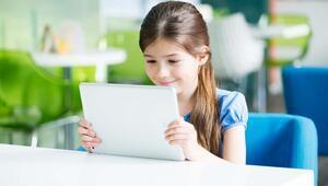 Uzaktan eğitimde çocukların göz sağlığı için nelere dikkat edilmeli