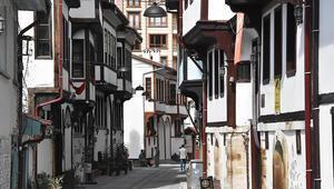 Şehzadelerin yetiştiği tarihi sokak kent turizmine hizmet ediyor