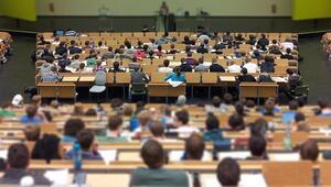 Öğrenciler bu soruya yanıt arıyor Üniversiteler açılacak mı İşte YÖKün açıklaması
