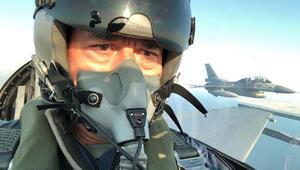 Son dakika haberler... Müthiş görüntüler... Bakan Akar F-16 kokpitinde