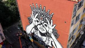 Kadıköy duvarlarına 'iyimser' dokunuş