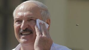 Lukaşenko: Navalny'nin zehirlendiği tamamen sahte