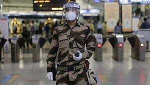 Hindistanda Covid-19 vakalarında günlük artış rekor düzeye ulaştı