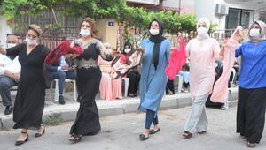 Sokakta da düğün yasak