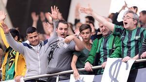 Akhisarspor'da taraftarları dağılma korkusu sardı