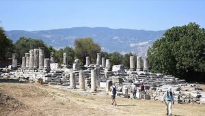 Lagina Hekate Kutsal Alanındaki yapılar ayağa kaldırılıyor