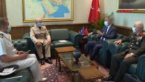 Son dakika: Bakan Akar, NATO Askeri Komite Başkanı Peach ile görüştü