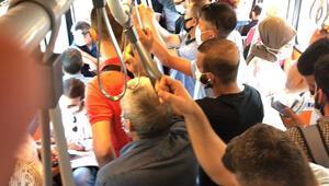 Metrobüste metroda sırt sırta yolculuk